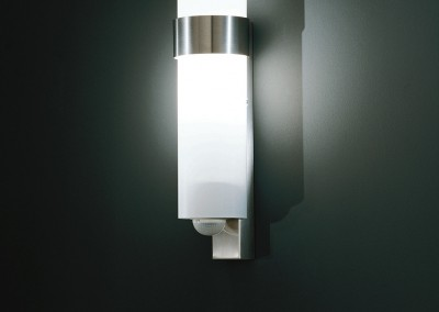 ip44.de - custo with  motion detectors